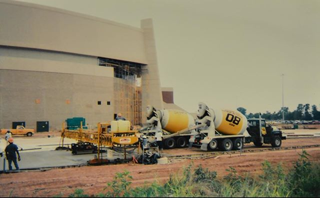 On this rainy day, it has us reminiscing on some of our greatest pours. This picture was taken of Builders Supply pouring at Shreveport Bossier City's great addition, CenturyLink Center.