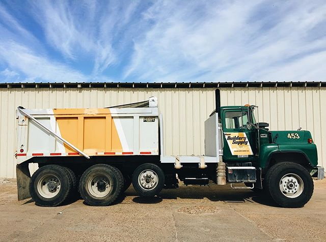 What a beautiful day for us to satisfy your building material needs!    We offer a delivery service for any building material orders. Visit our website for more information. (Link in Bio)   