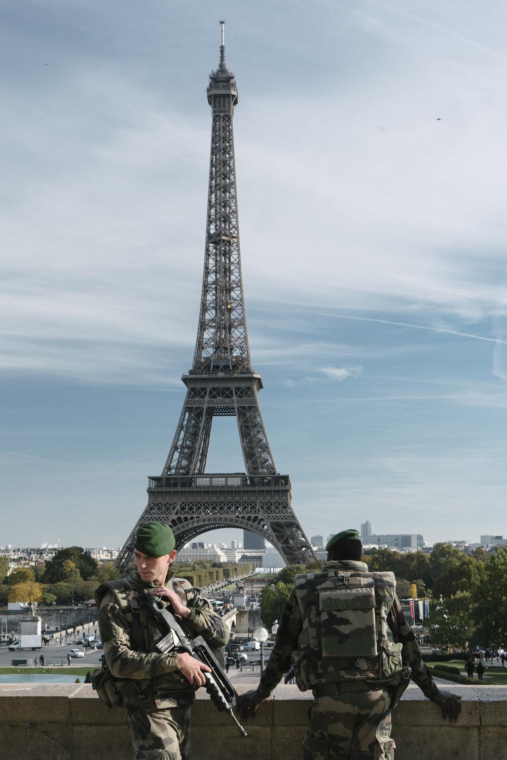 EiffelSoldiers.jpg