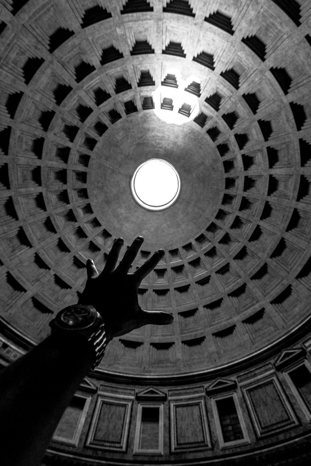 Pantheon_BW-2.jpg