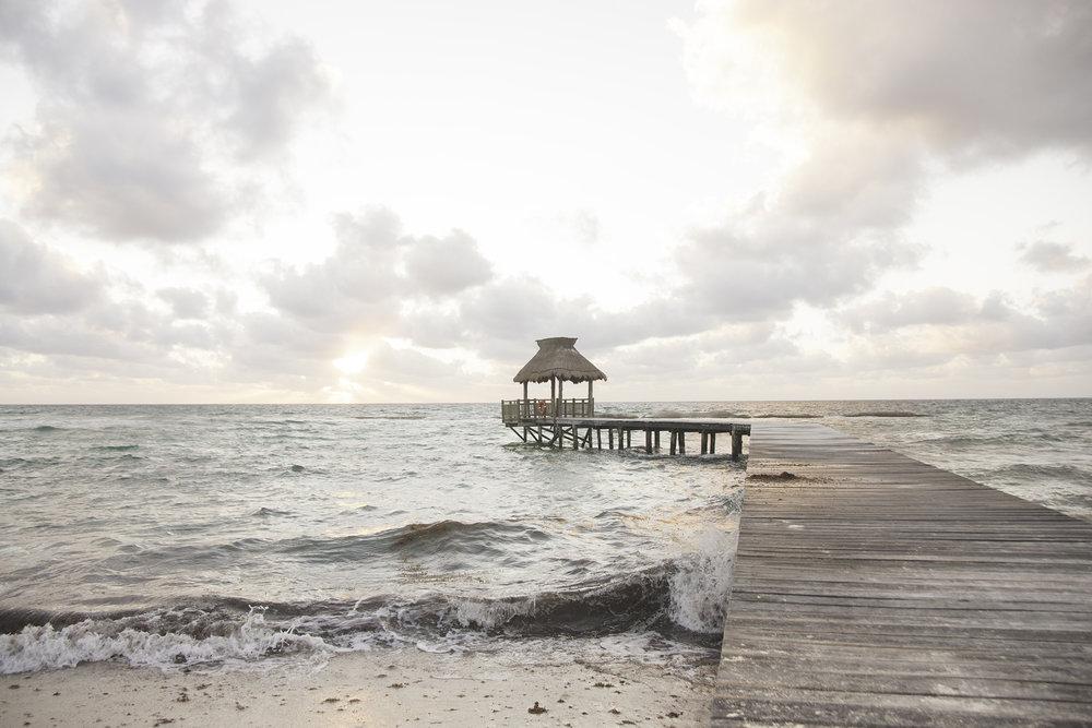 La plage au lever du soleil