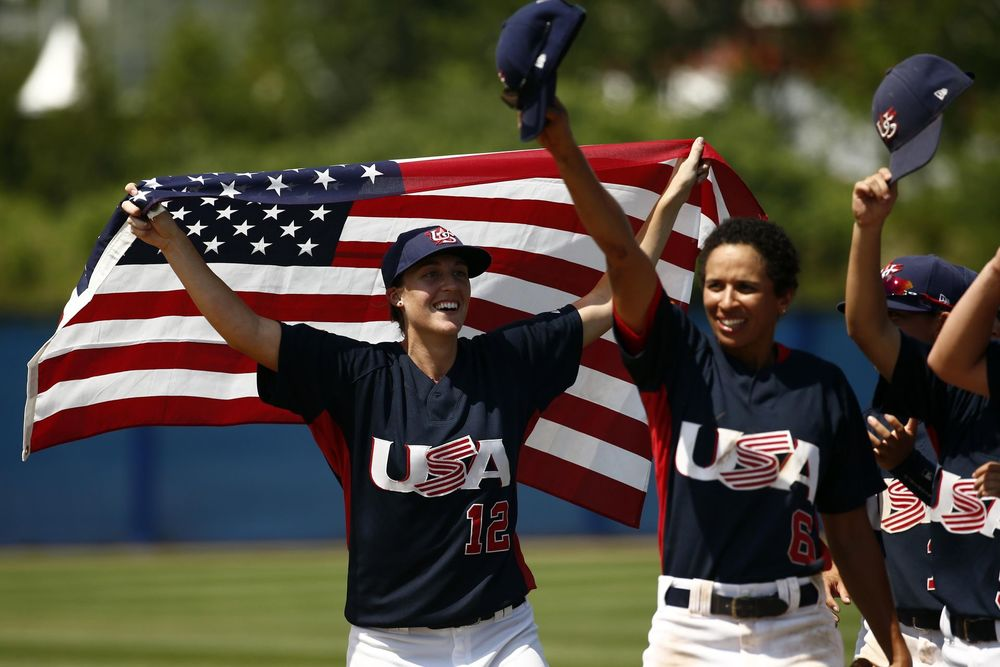Stacy Piagno celebrates with her USA Women's National Baseball teammates. Rob Schumacher/USA Today Sports