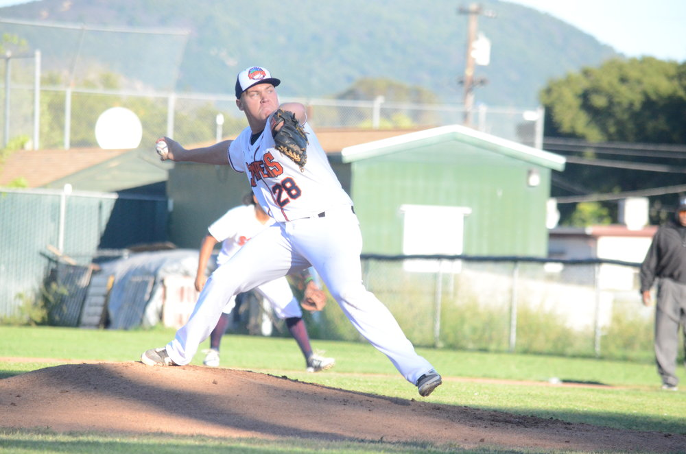 Randy Keen made a name for himself in his Stomper debut throwing a complete game in the Stompers 6-1 victory of the Admirals Thursday. Keen struck out nine and allowed only four hits.   James Toy III/Sonoma Stompers