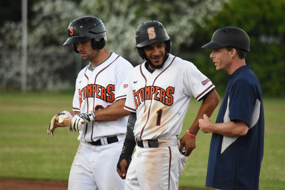 Center fielder Matt Hibbert (center) scored three runs Tuesday in the Sonoma Stompers' 8-4 victory over the San Rafael Pacifics at Peoples Home Equity Ballpark at Arnold Field. (James W. Toy / Sonoma Stompers)