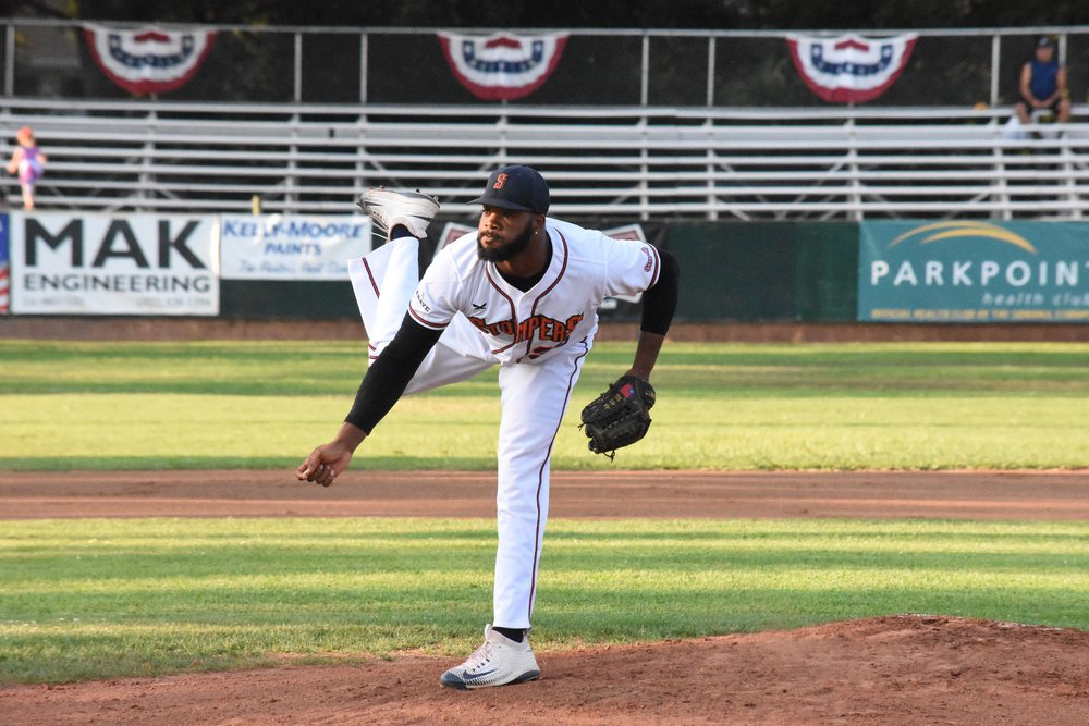Ty'Relle Harris pitched seven strong innings in Thursday's 2-1 loss to the Vallejo Admirals, striking out seven and allowing just two earned runs–both of which came in the first inning. (James W. Toy III / Sonoma Stompers)
