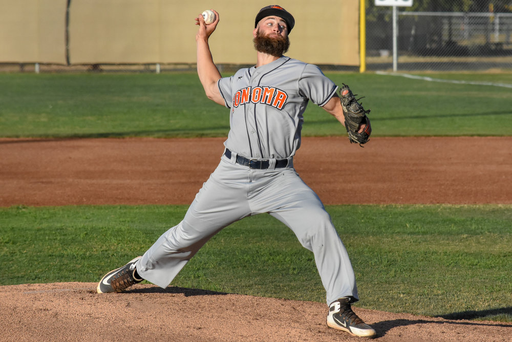 Ethan Gibbons delivers a pitch in the second inning of the Sonoma Stompers' game against the Martinez Clippers, July 26, 2018 in Martinez, Calif. (James W. Toy III / Sonoma Stompers)