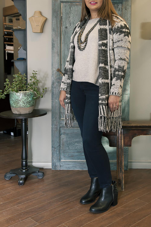 Bella-Maas-Boutique-edmonton-st-albert-sherwood-park-spring-trends-red-haute-michael-kors-ugg-joe's-jeans-mia-shoes