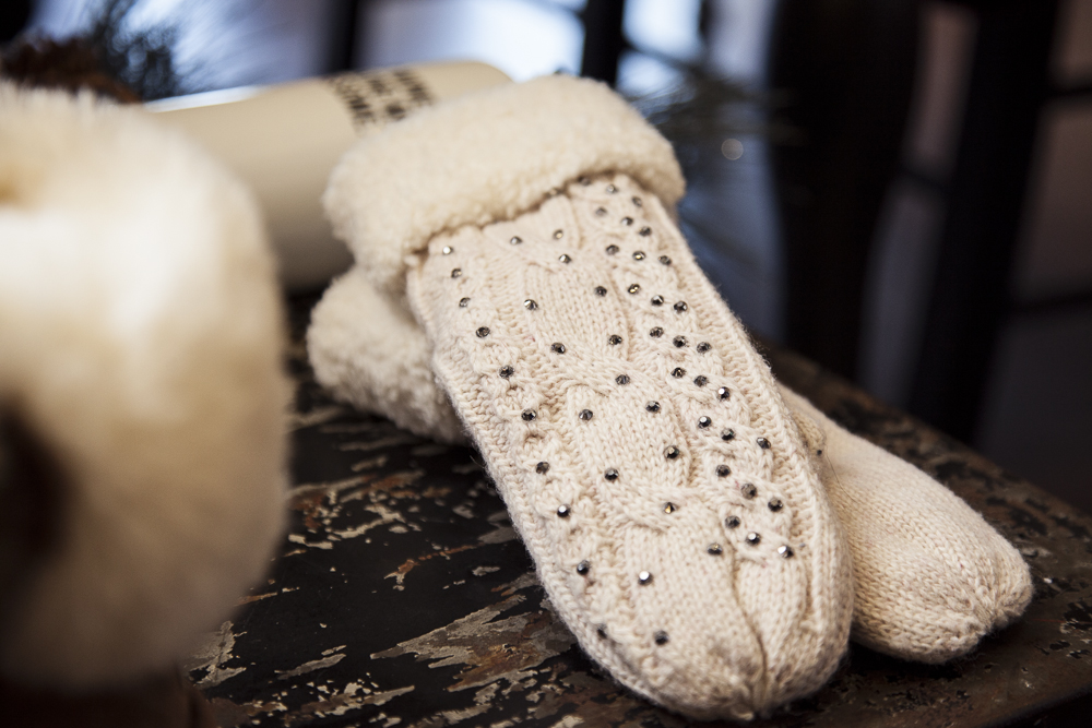 Bella-Maas-Boutique-Holiday-gift-guide-jeweled-mittens