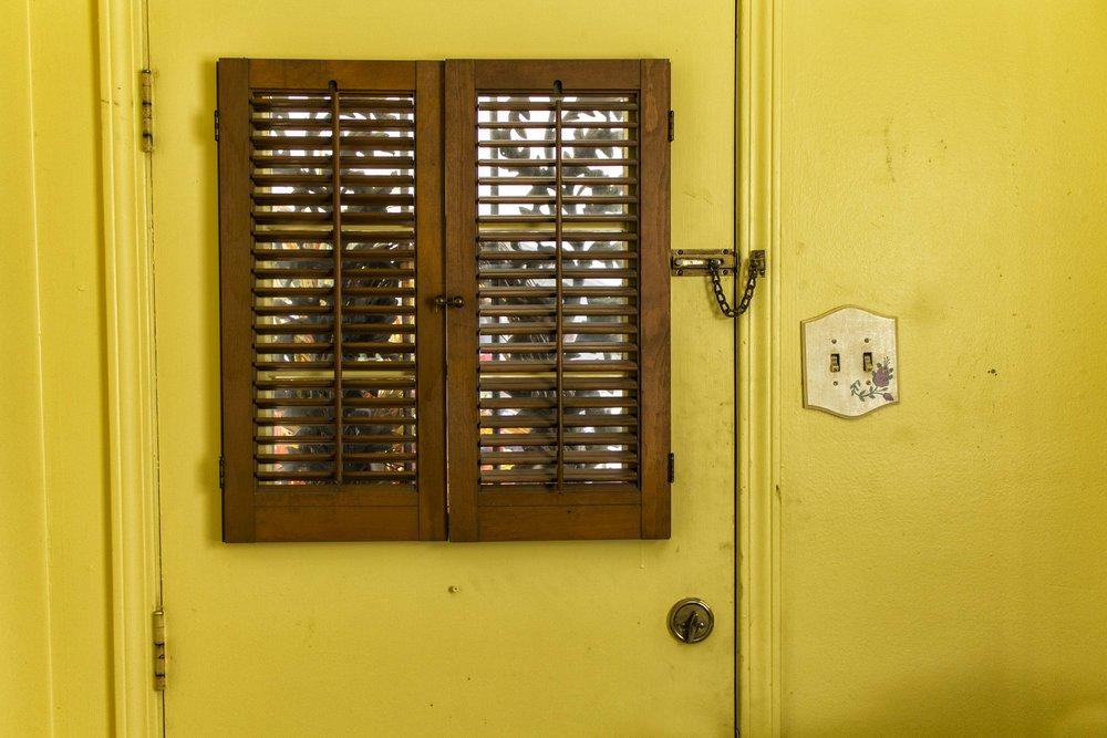 Yellow_wall_Yellow_door.jpg
