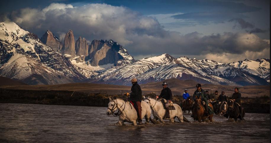 horse ride primal adventures patagonia
