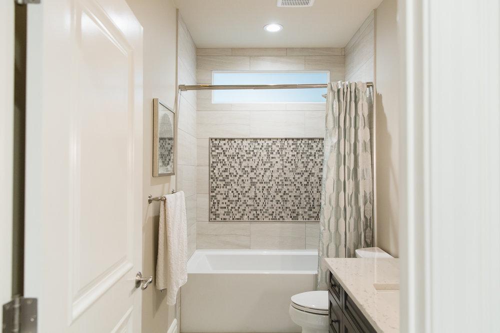 Tub Shower tile detail