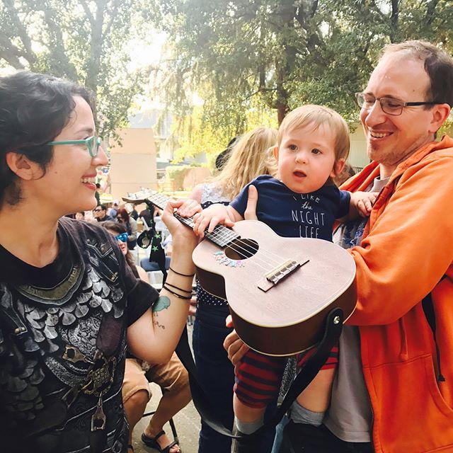 Today's gig at the Elves' Faire in Altadena #altadena #ukulele #ukelele #elves #cosplay #livemusic #socal #uke #gig #waldorfschool #elvesfaire