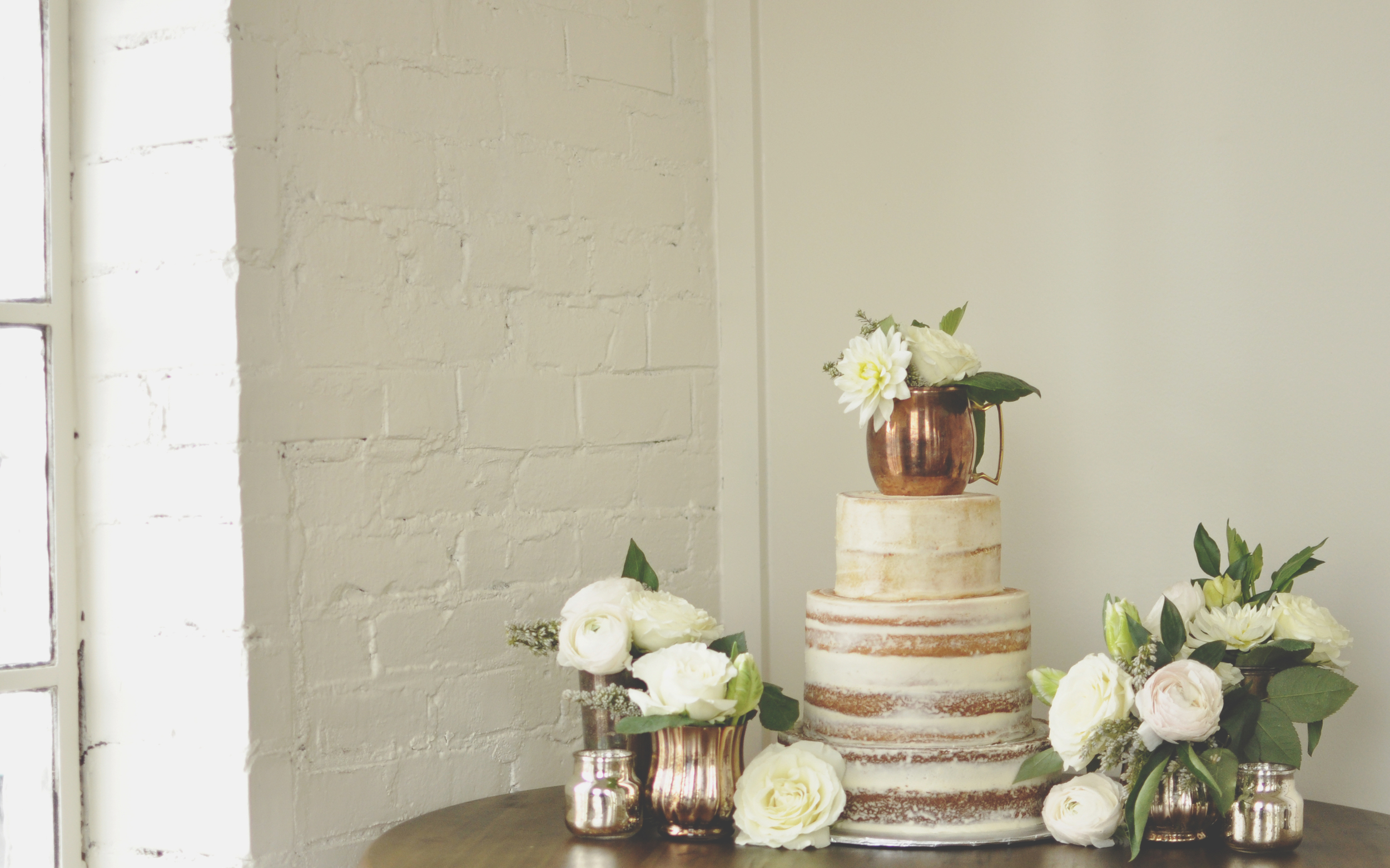 Photography: Roots and Revival Cake: Sweet Malisa's