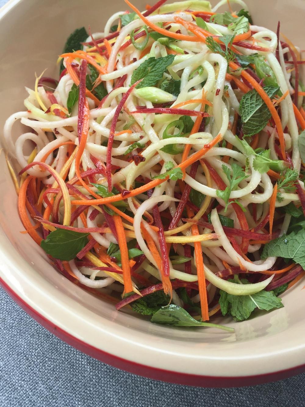 spiralized vietnamese kohlrabi salad