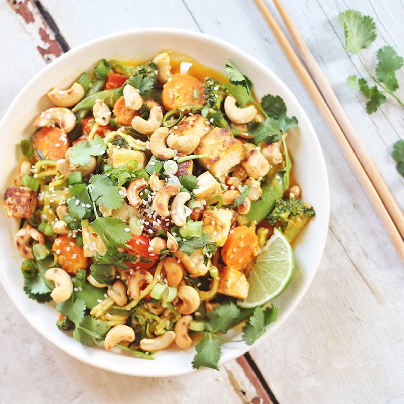 justine-celina_carrot-cashew-zoodles_featured_1.jpg