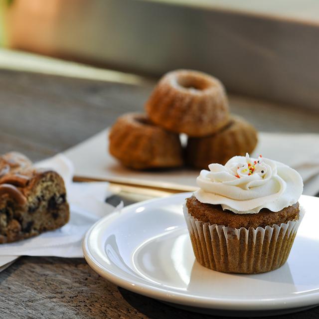 Pumpkin Spice Cupcake - gluten free, dairy free, soy free, peanut free