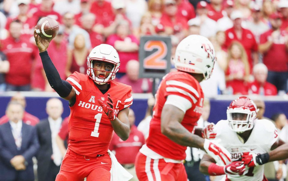 Houston QB Greg Ward Jr. threw for 321 yards and two touchdowns in the Cougars 33-23 upset over Oklahoma.