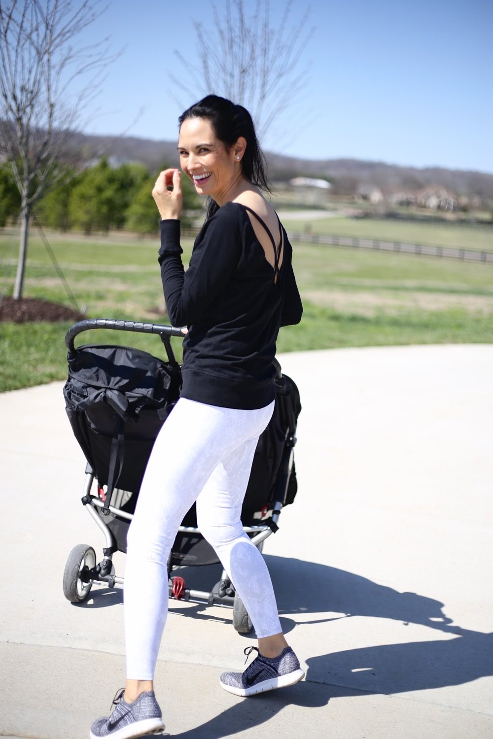 |  Alo leggings  |  Nike sneakers  | Zella  top similar  |  double stroller  | image : Sydney Clawson |