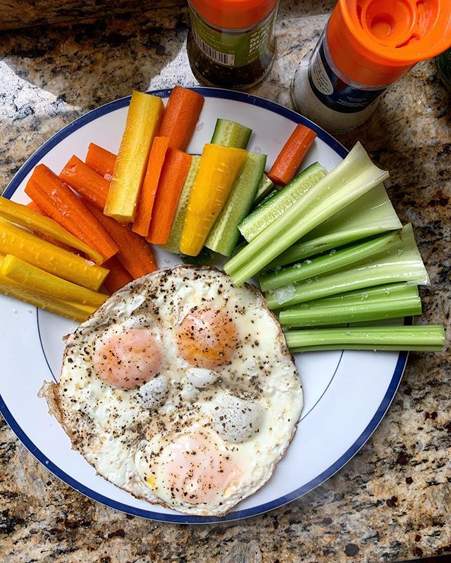 Been sick for far too long 🤒 so it's back to basic salt and pepper eggs and (low fodmap == safe) veggies today. . ...On top of coughing up a lung all day and night and being all off of my day to day normal routine I went through a phase the last two weeks of recipe hunting, cooking new things, having a blast, and COMPLETELY ignoring known food sensitivities (hello, onions, ice cream, cauliflower, etc) and so now I'm totally out of whack. And the things I made with onions in them were not even worth it! (Ice cream, on the other hand, is always worth it.) This week - back. to. basics. 🤷‍♀️