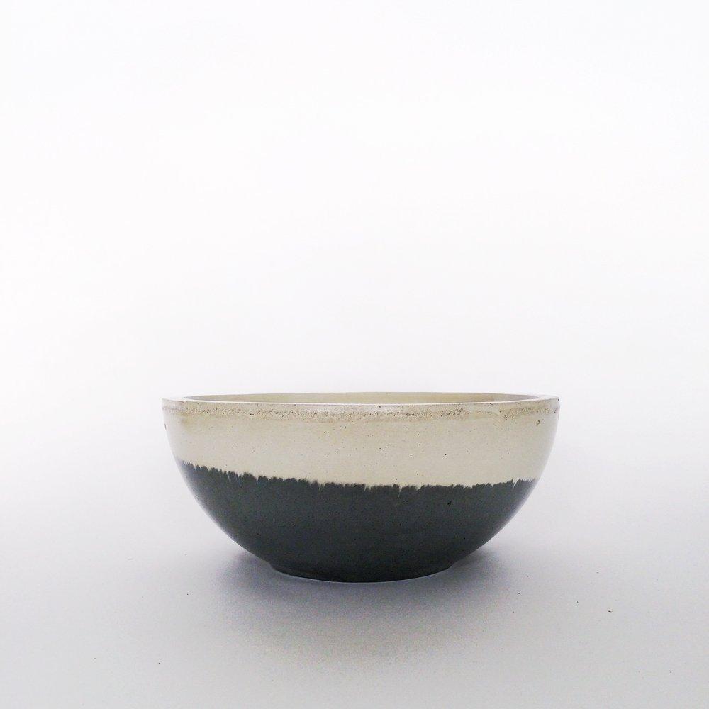 SETTLEWELL - Cast-Concrete Bowl - 2.jpg