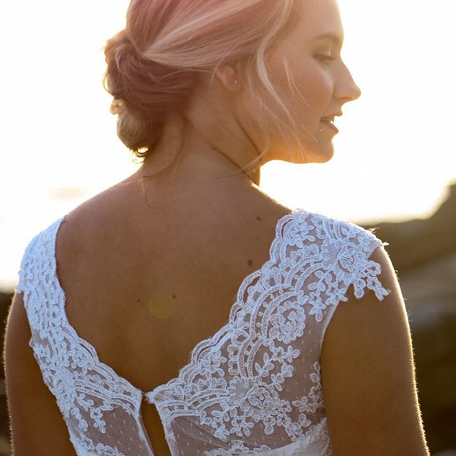 Golden Hour is my Favorite Hour. The golden hour is the period of daytime shortly after sunrise or before sunset, during which daylight is redder and softer than when the Sun is higher in the sky. . . . . Photographer: @randimichellephotography  Dress: @cherielizabethcollection  Hair + Makeup:@madisonleighmakeup . . . . #goldenhour #weddingbliss #bridegoals #dallaswedding #dfwwedding #dallasbridetobe #weddingdetails #weddingdress #dfwphotographer #dallasphotographer #dallasweddingphotographer #dfwweddingphotographer #fortworth #fortworthwedding #wedding #weddinghair #weddingmakeup #weddinggoals #beauty #bridalphotos #weddingportraits #instaweddings #weddingphoto #socalwedding #socalweddingphotographer #lagunabeachwedding #lagunabeach #orangecountywedding #ocweddingphotographer