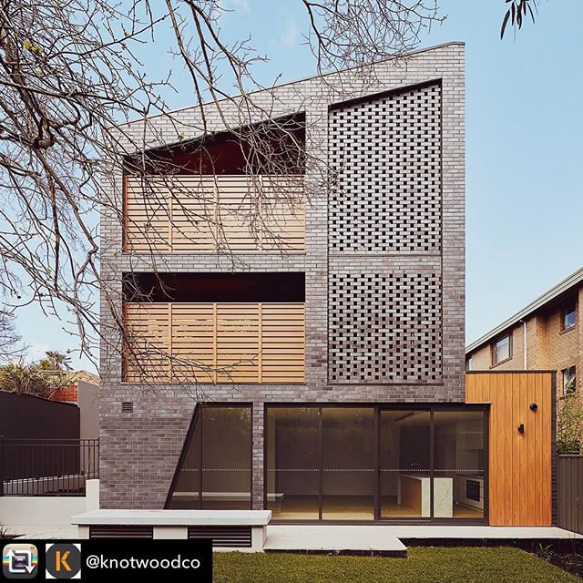 Back view 🙌🏼 Recently completed project by us for @t_a_square 📸 @jack.lovel with @knotwoodco cladding & @brickworksbp bricks ✨ . . . . . . . . . #build #melbournebuilder #exteriorarchitecture #contemporaryarchitecture #lazconbuiltriversdale #archdaily #archidaily #moderndesign #townhouses #modernarchitecture #bricks #cladding #architecturalphotography