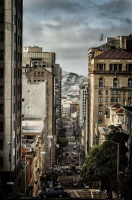Photo: Robin Allen Photography, Getty Images Mason Street drops from the ritzy heights of Nob Hill to the edge of the Tenderloin, just six steep blocks down.