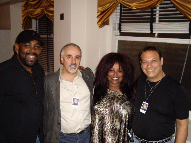 (L to R): Andrew Gouche, Nick Epifani, Chaka Kahn, Joey Lauricella (Fodera)