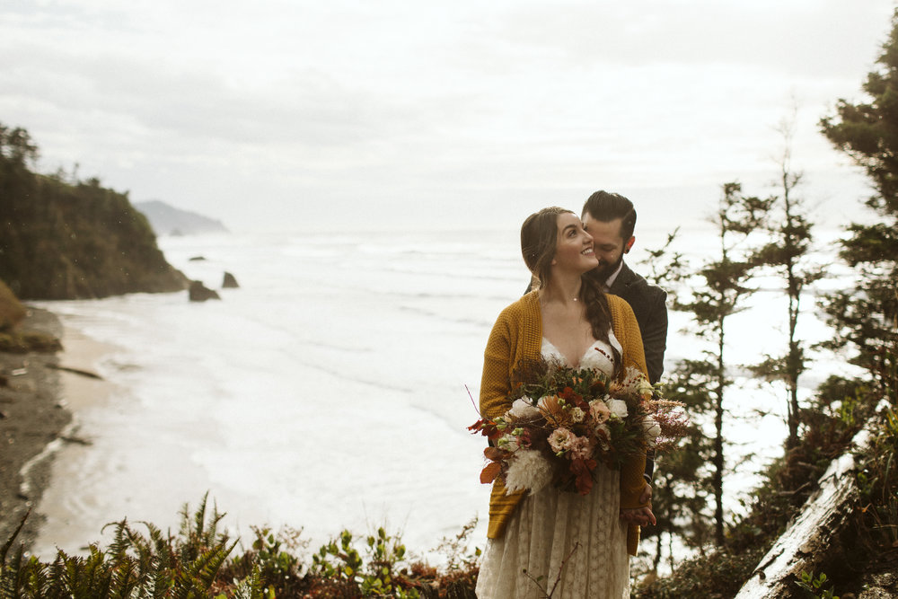 oregon-elopement-hug-point-5.jpg