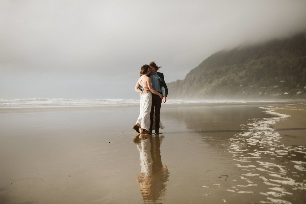 oregon-hug-point-elopement-53.jpg