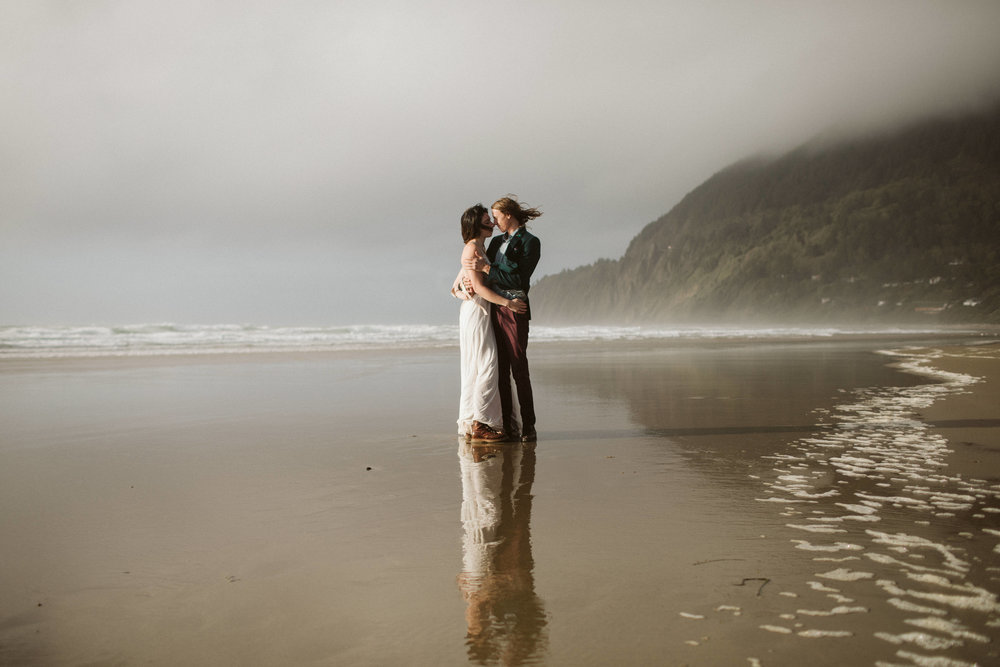 oregon-hug-point-elopement-54.jpg