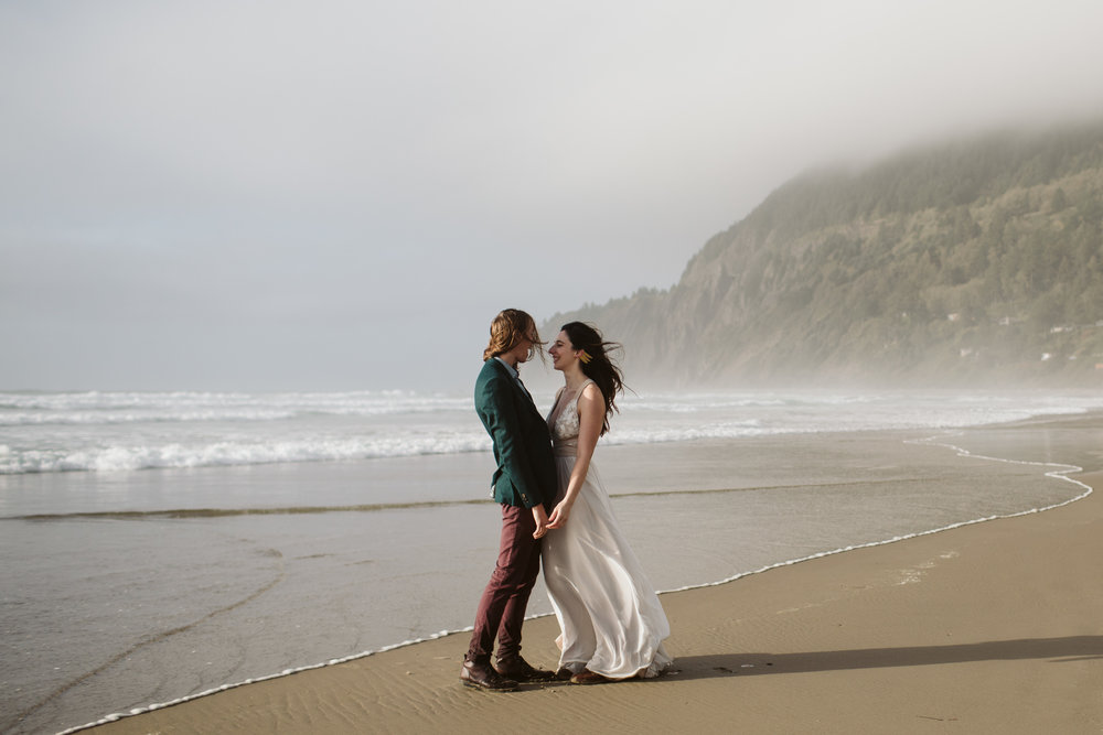 oregon-hug-point-elopement-68.jpg