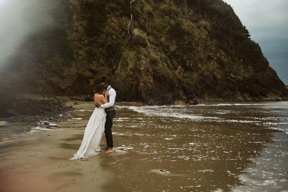 oregon-coast-elopement-74.jpg