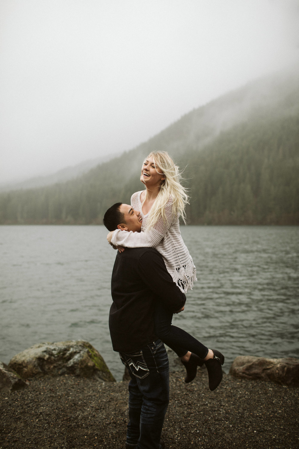 rattlesnake-ridge-engagement-couple54.jpg