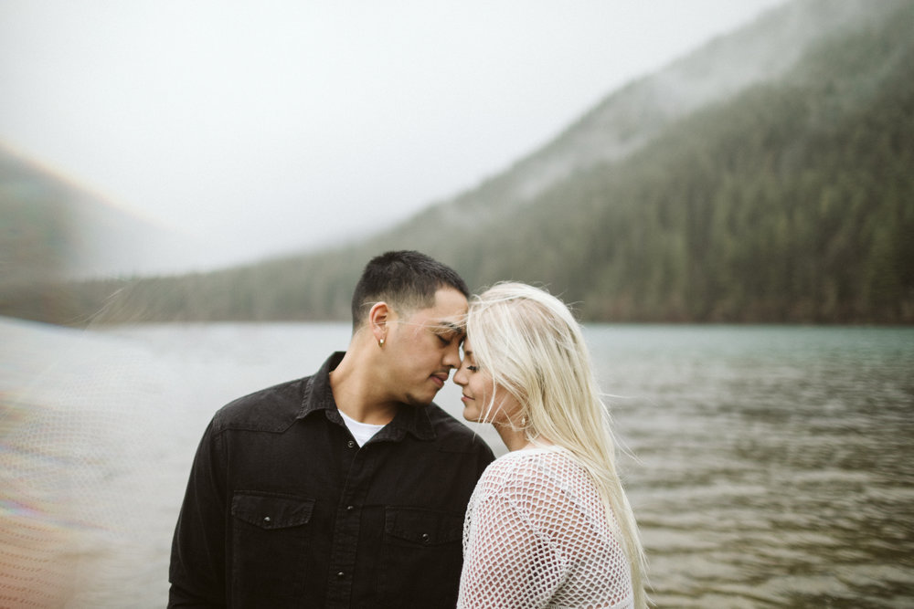 rattlesnake-ridge-engagement-couple97.jpg