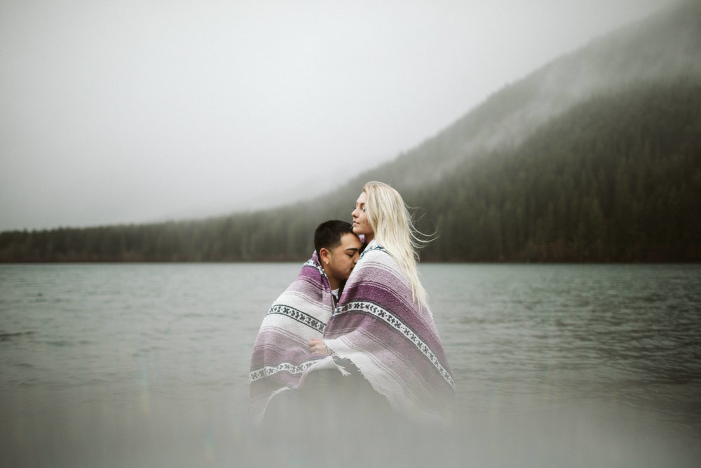 rattlesnake-ridge-engagement-couple124.jpg