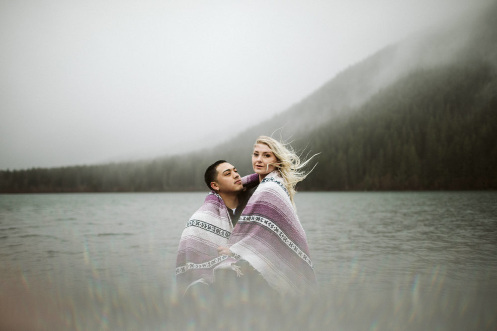 rattlesnake-ridge-engagement-couple129.jpg