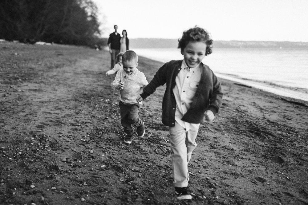 Familyportraits Owen Beach Tacoma WA11.jpg