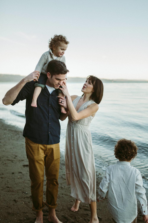 Familyportraits Owen Beach Tacoma WA119.jpg