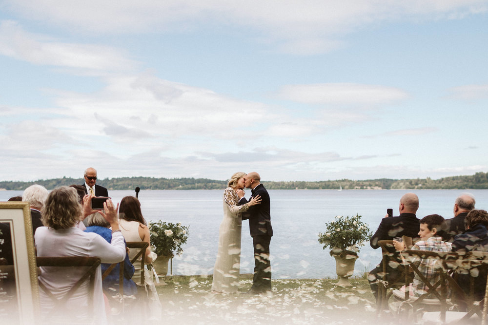 Budd Inlet Olympia wedding170.jpg