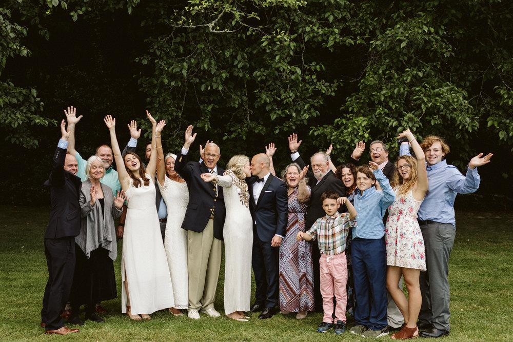 Budd Inlet Olympia wedding236.jpg