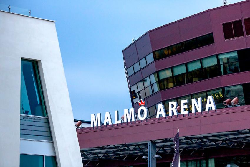 up to ten thousand people can PARTICIPATE IN MALMÖ ARENA.