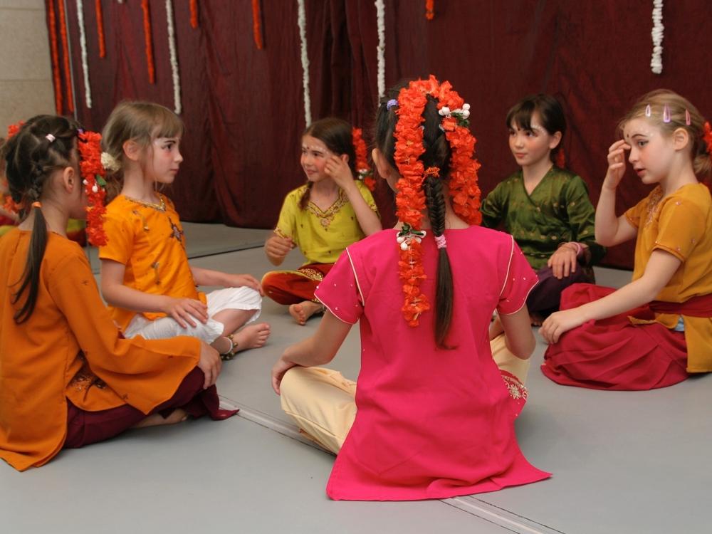 danse-indienne-cours.jpg