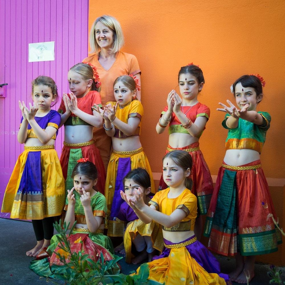 loubaton-danse-indienne.jpg