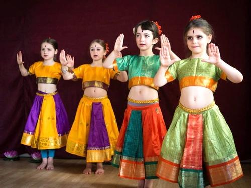 danse-indienne-fontenay-sous-bois-5.jpg