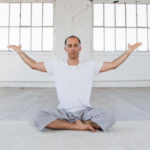 Yotham Baranes    Yoga du cachemire  /  Pranayama   yotham.baranes@gmail.com   06 22 15 28 83