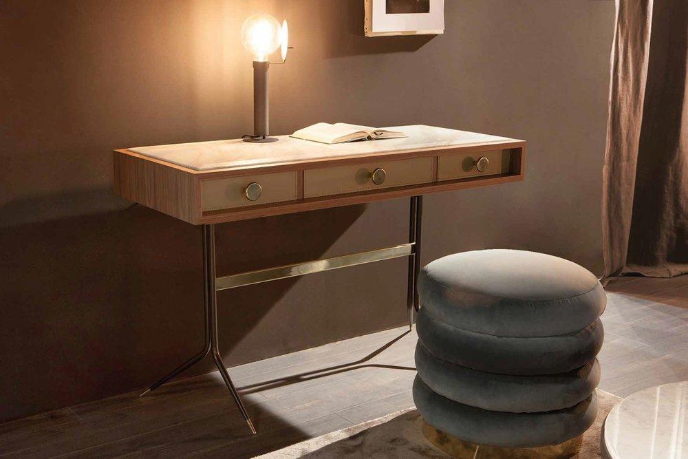 e_motion_1500-SWING-desk.jpg