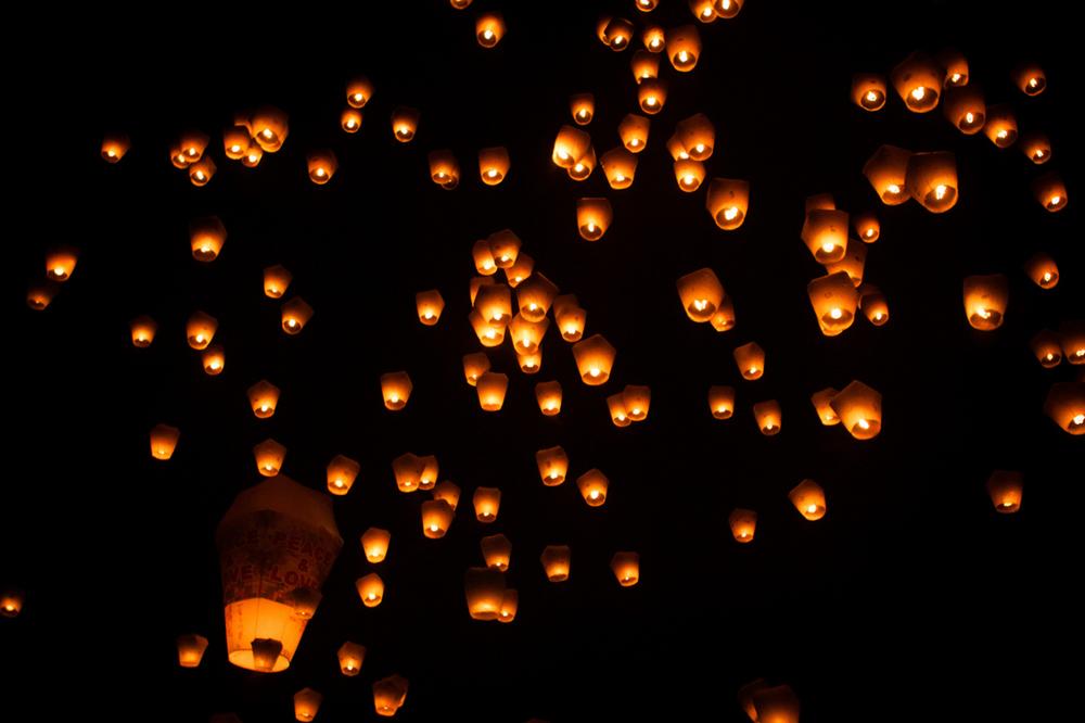 Lanterns-in-the-Sky.jpg