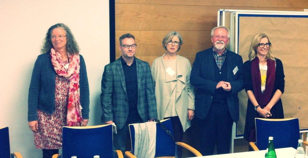 Der neue Vorstand:PD Dr. Ute Gahlings,Dr. Jirko Kraus,Dr. Heidemarie Bennent-Vahle,Roger Wisniewski,Dr.Cornelia Bruell,Christin Raabe