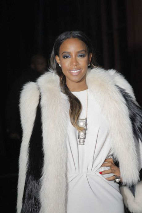 "Houston native and Grammy Award-winning singer Kelly Rowland recently told Essence magazine she's launching a makeup line created for women of color. ""My makeup artist Sheika Daley and I are actually starting a makeup line. We're making sure we make, well, we're starting off with lashes and then we're going to have it grow for all women,"" Rowland told Essence. ""But definitely making sure we have our chocolate girls covered. Gotta get the chocolate girls in there! We have to have that, you know. I think Iman has done a beautiful makeup line, and I want to do it too!"" No launch date has been set."